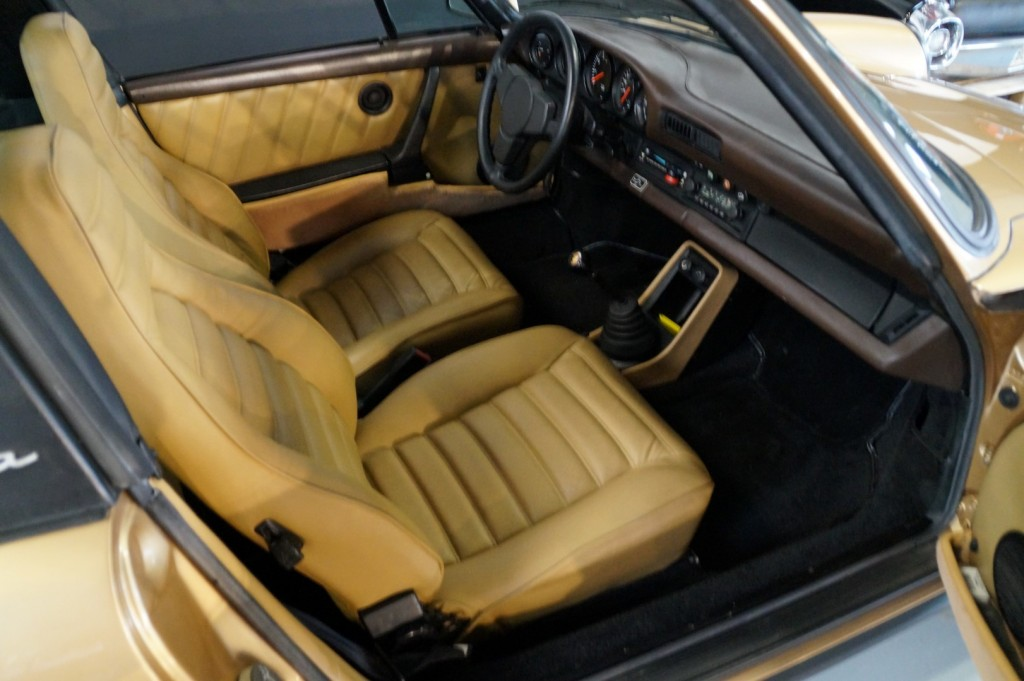 Buy this PORSCHE 911 1980  at Legendary Classics (23)