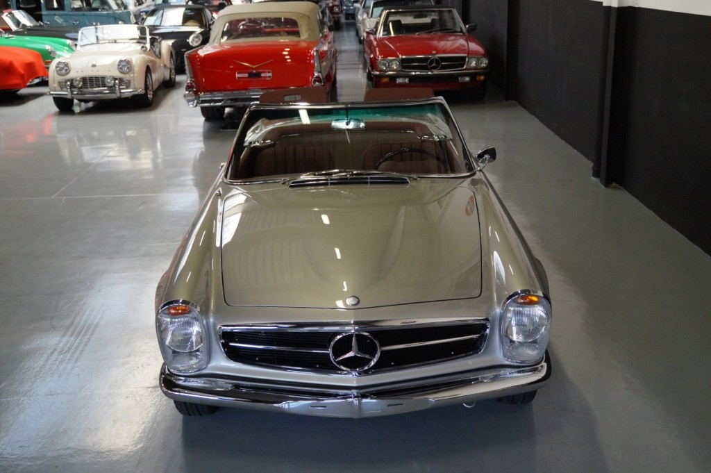 Buy this MERCEDES-BENZ SL-KLASSE 1966  at Legendary Classics (24)