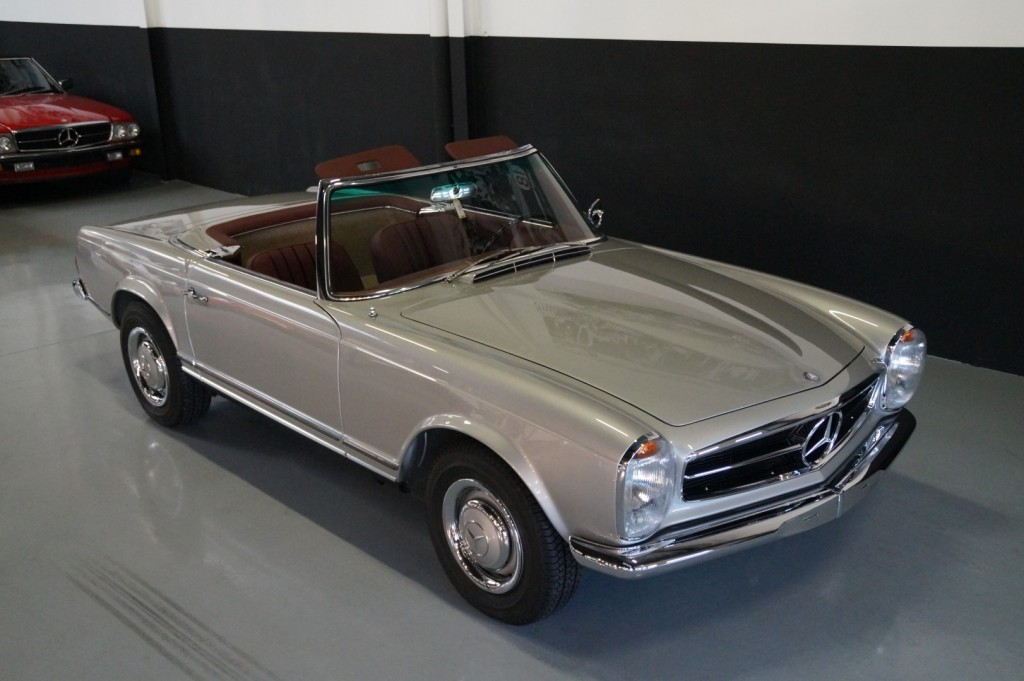Buy this MERCEDES-BENZ SL-KLASSE 1966  at Legendary Classics (27)