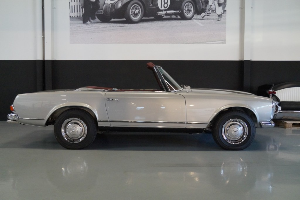 Buy this MERCEDES-BENZ SL-KLASSE 1966  at Legendary Classics (28)