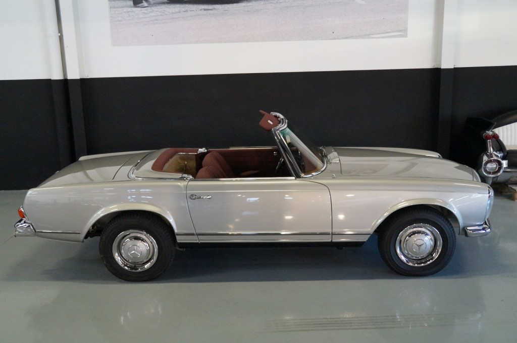 Buy this MERCEDES-BENZ SL-KLASSE 1966  at Legendary Classics (29)