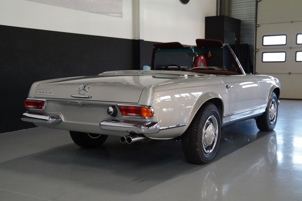 Buy this MERCEDES-BENZ SL-KLASSE 1966  at Legendary Classics (30)