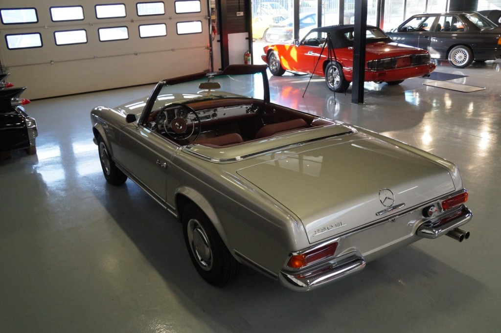 Buy this MERCEDES-BENZ SL-KLASSE 1966  at Legendary Classics (36)