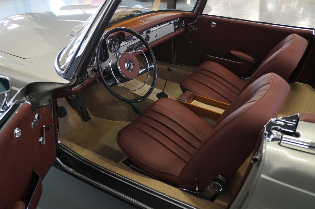Buy this MERCEDES-BENZ SL-KLASSE 1966  at Legendary Classics (6)