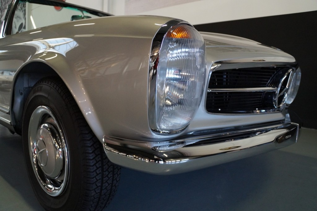 Buy this MERCEDES-BENZ SL-KLASSE 1966  at Legendary Classics (61)