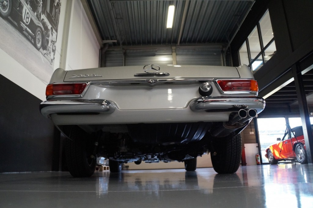 Buy this MERCEDES-BENZ SL-KLASSE 1966  at Legendary Classics (70)