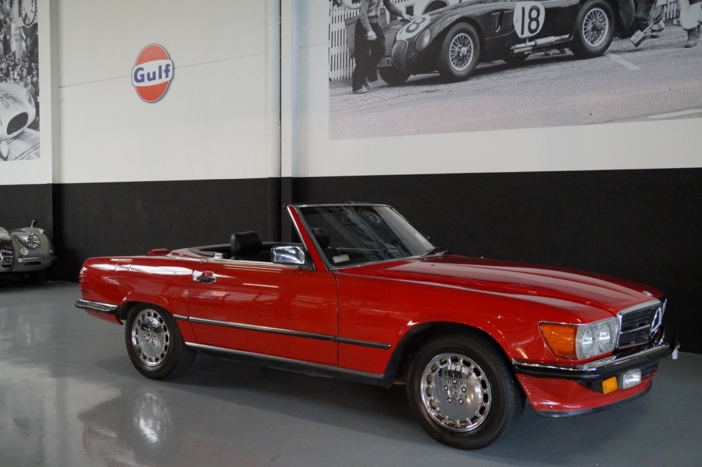 Buy this MERCEDES-BENZ 560 1988  at Legendary Classics (1)