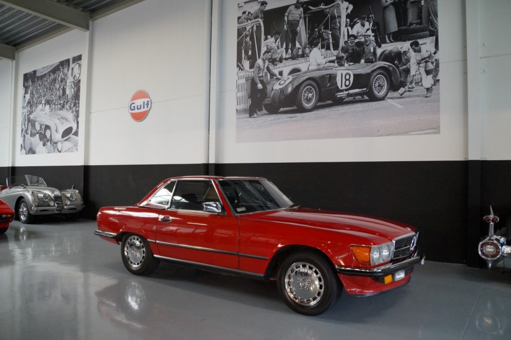 Buy this MERCEDES-BENZ 560 1988  at Legendary Classics (2)