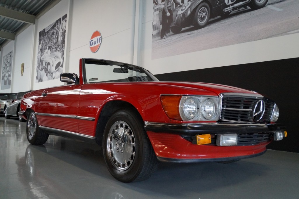 Buy this MERCEDES-BENZ 560 1988  at Legendary Classics (11)