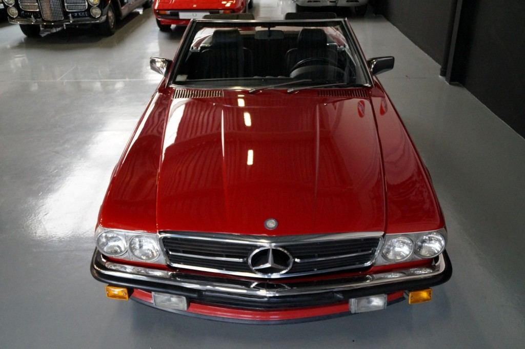 Buy this MERCEDES-BENZ 560 1988  at Legendary Classics (18)