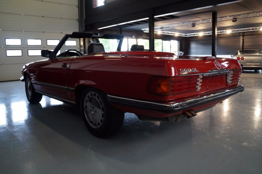Buy this MERCEDES-BENZ 560 1988  at Legendary Classics (24)