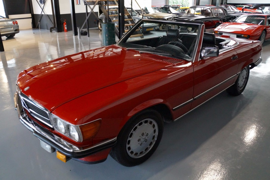 Buy this MERCEDES-BENZ 560 1988  at Legendary Classics (27)