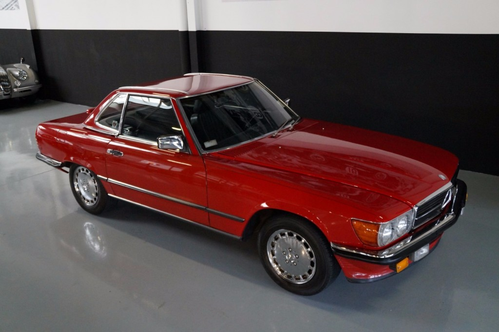 Buy this MERCEDES-BENZ 560 1988  at Legendary Classics (7)
