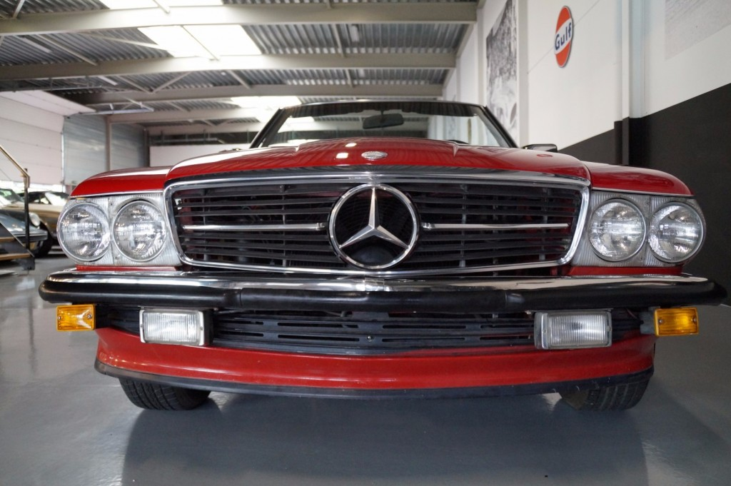 Buy this MERCEDES-BENZ 560 1988  at Legendary Classics (10)