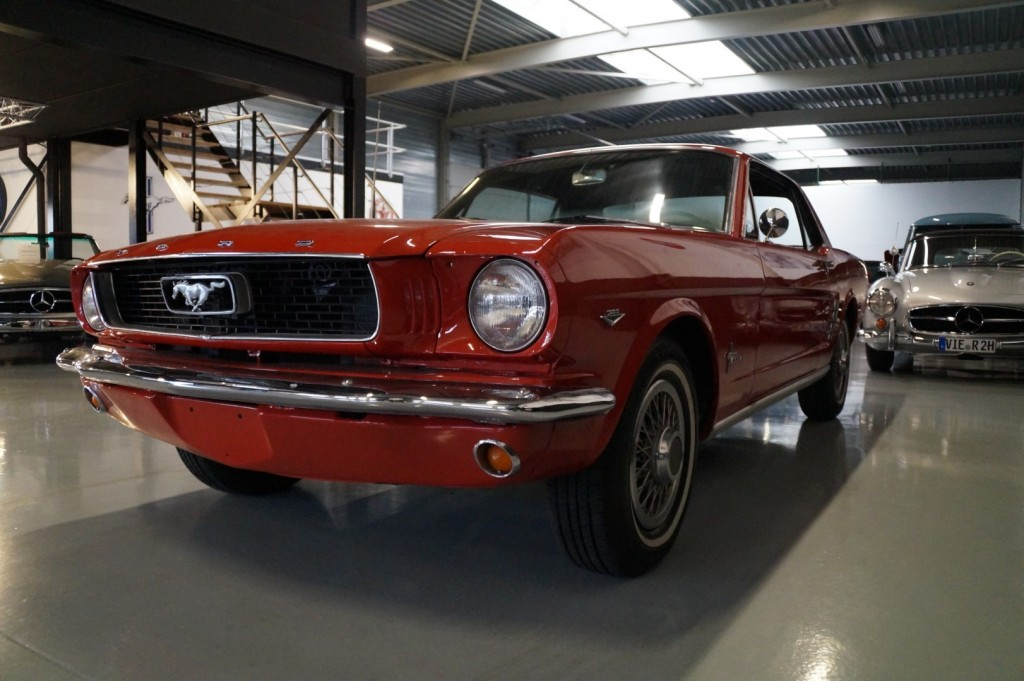 Buy this FORD MUSTANG 1966  at Legendary Classics (31)