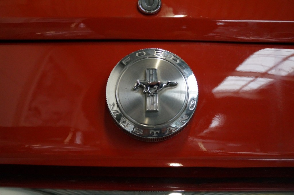 Buy this FORD MUSTANG 1966  at Legendary Classics (8)