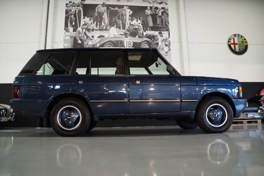 Buy this LAND ROVER RANGE ROVER 1994  at Legendary Classics (3)