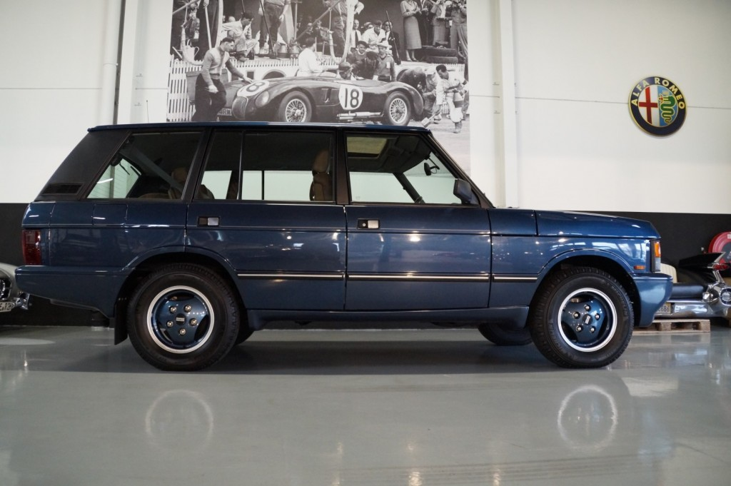 Buy this LAND ROVER RANGE ROVER 1994  at Legendary Classics (24)
