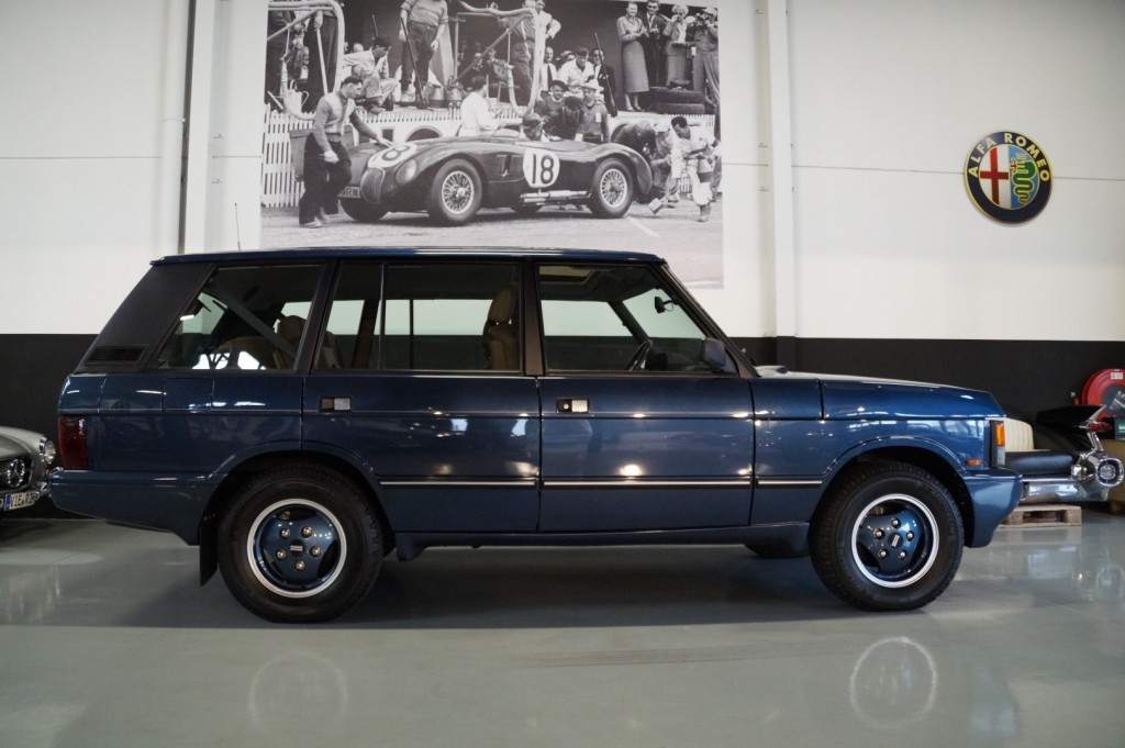 Buy this LAND ROVER RANGE ROVER 1994  at Legendary Classics (25)