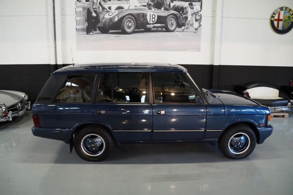 Buy this LAND ROVER RANGE ROVER 1994  at Legendary Classics (26)