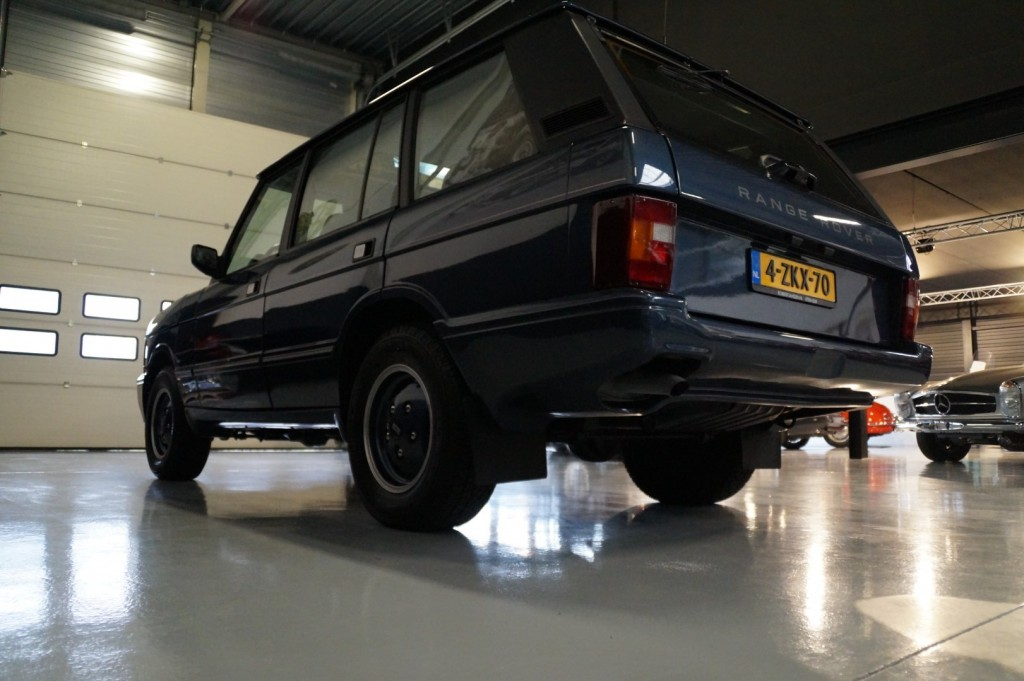Buy this LAND ROVER RANGE ROVER 1994  at Legendary Classics (30)