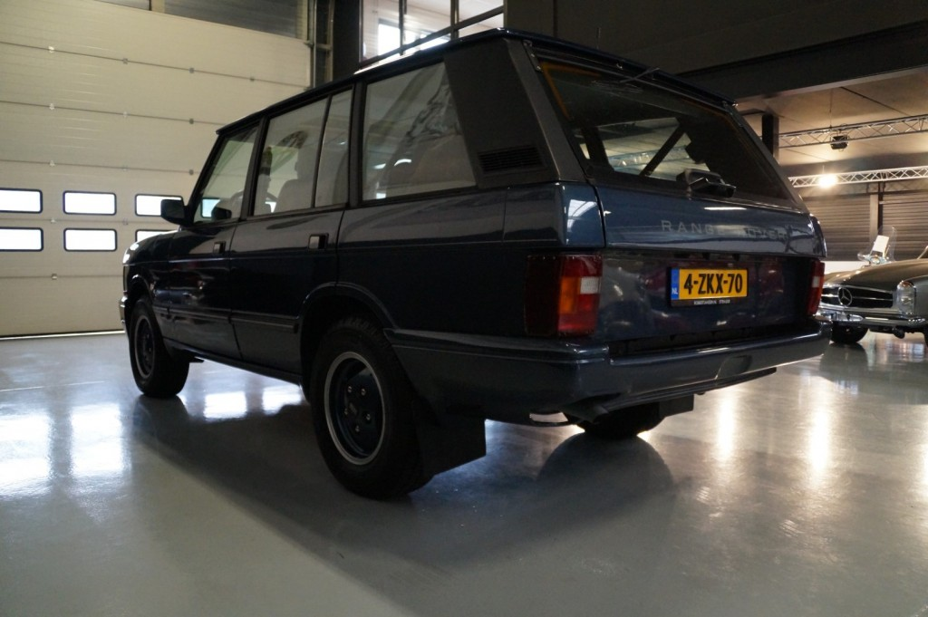 Buy this LAND ROVER RANGE ROVER 1994  at Legendary Classics (32)