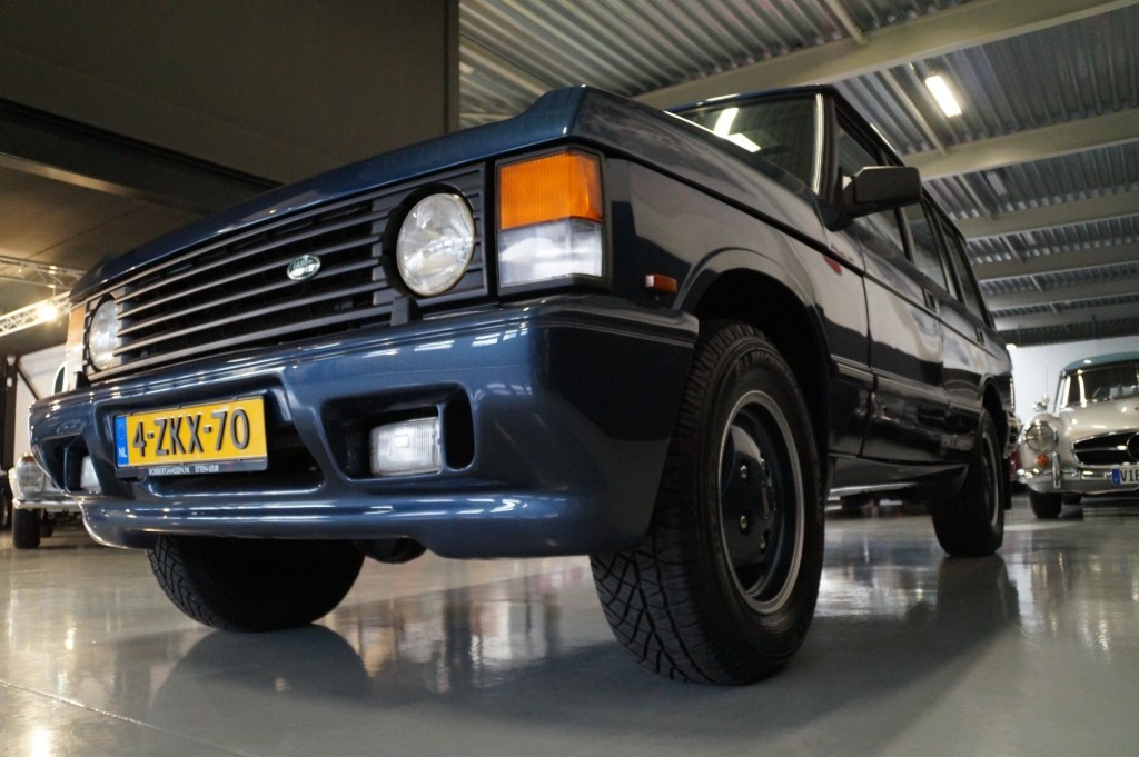 Buy this LAND ROVER RANGE ROVER 1994  at Legendary Classics (34)