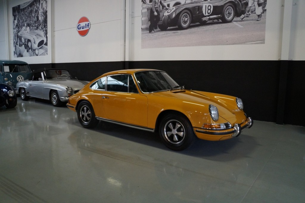 Buy this PORSCHE 911 1968  at Legendary Classics (15)