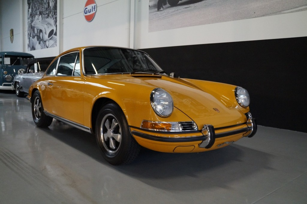 Buy this PORSCHE 911 1968  at Legendary Classics (16)