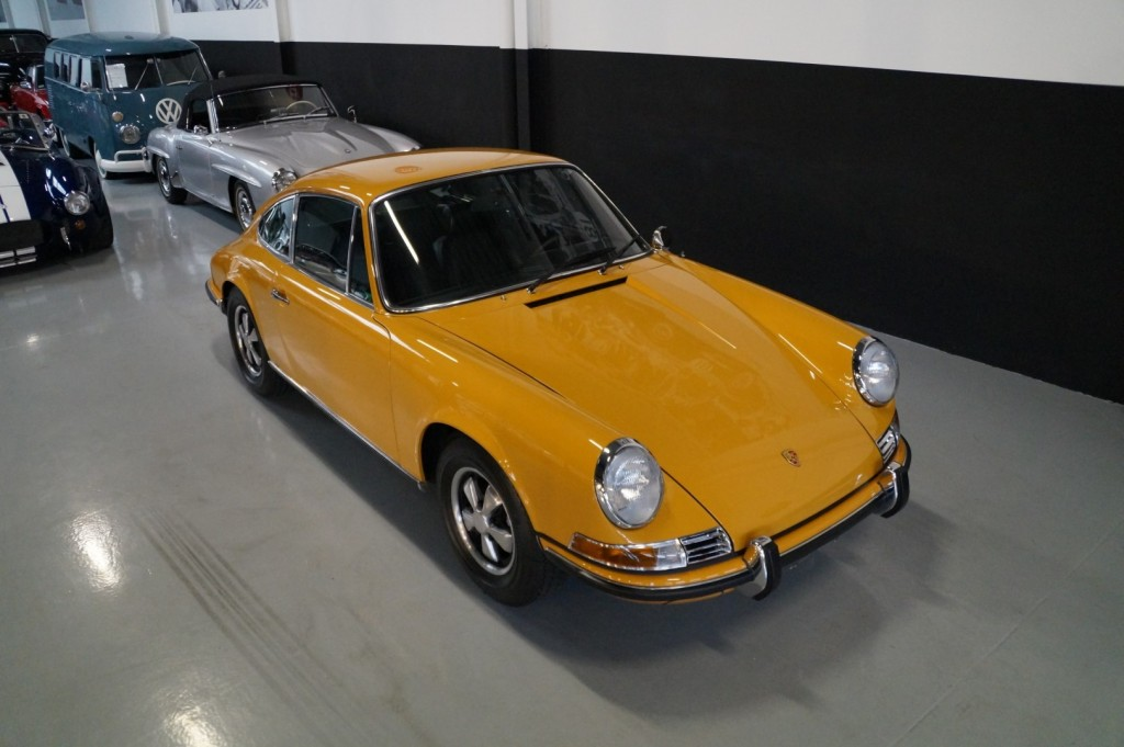 Buy this PORSCHE 911 1968  at Legendary Classics (17)