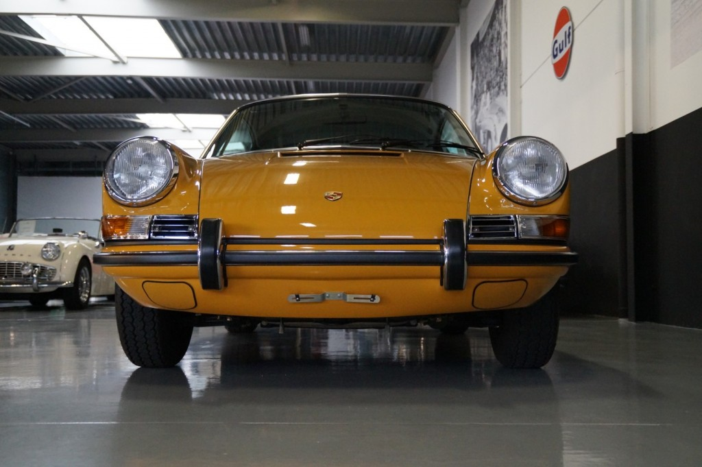 Buy this PORSCHE 911 1968  at Legendary Classics (19)
