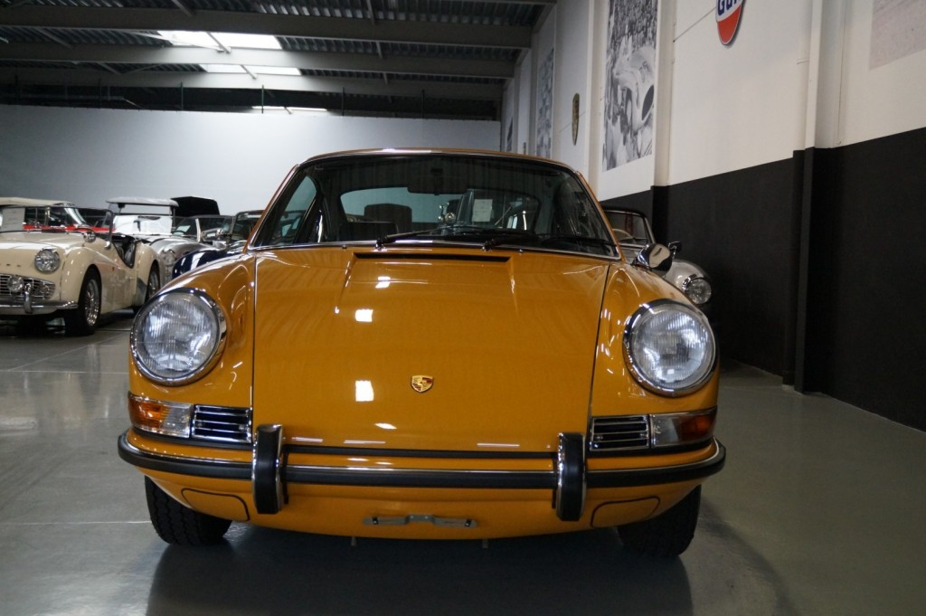 Buy this PORSCHE 911 1968  at Legendary Classics (20)