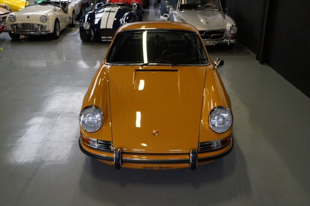 Buy this PORSCHE 911 1968  at Legendary Classics (21)