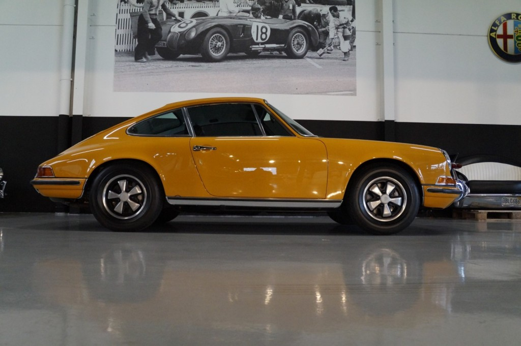 Buy this PORSCHE 911 1968  at Legendary Classics (22)