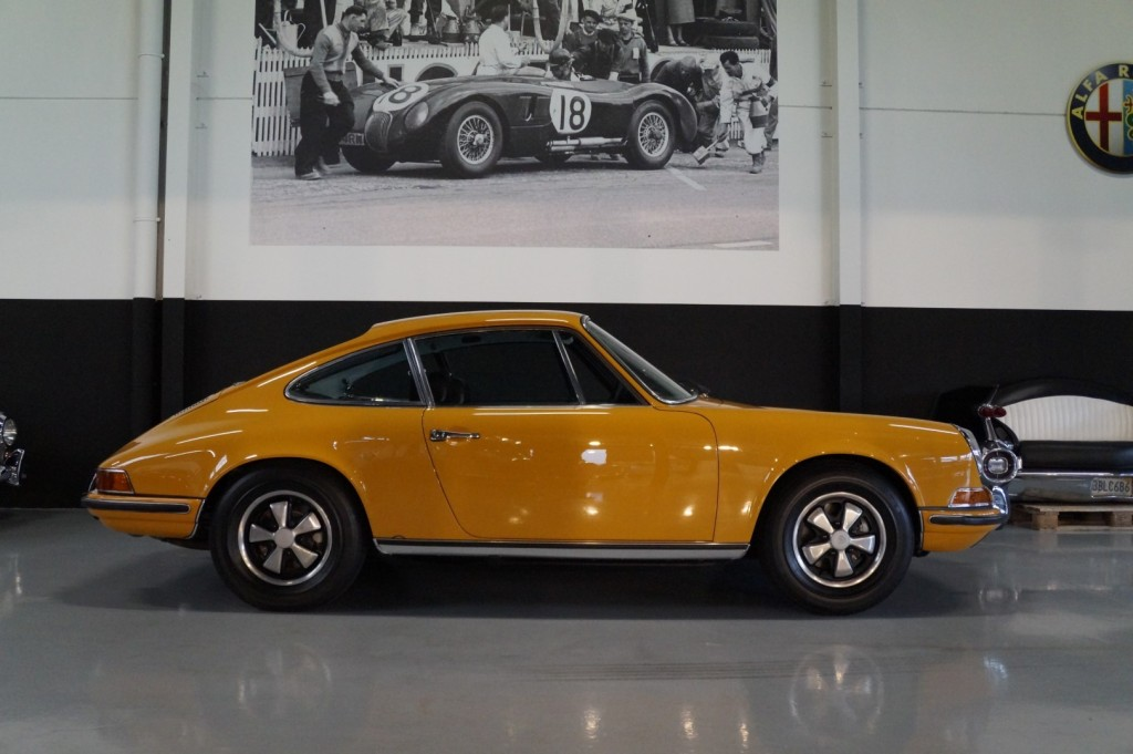 Buy this PORSCHE 911 1968  at Legendary Classics (23)