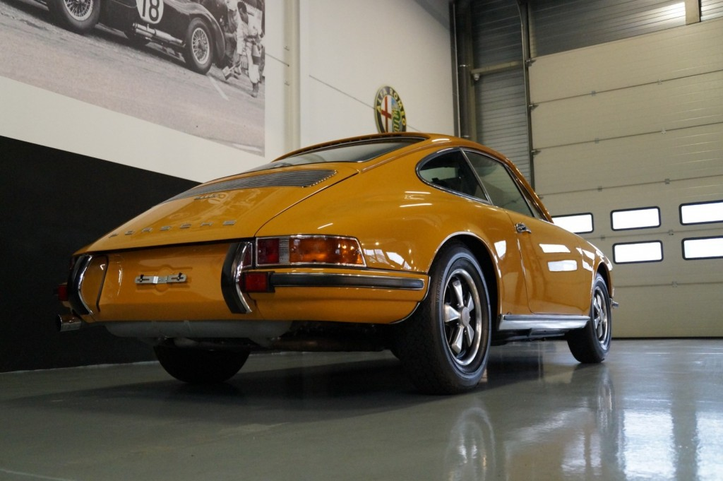 Buy this PORSCHE 911 1968  at Legendary Classics (24)