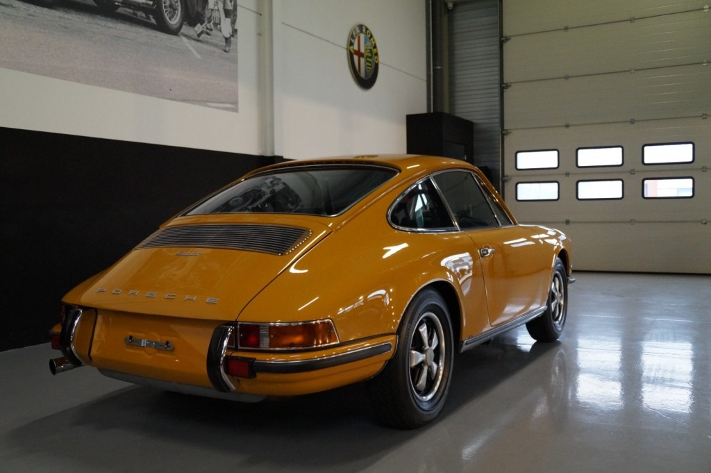 Buy this PORSCHE 911 1968  at Legendary Classics (25)