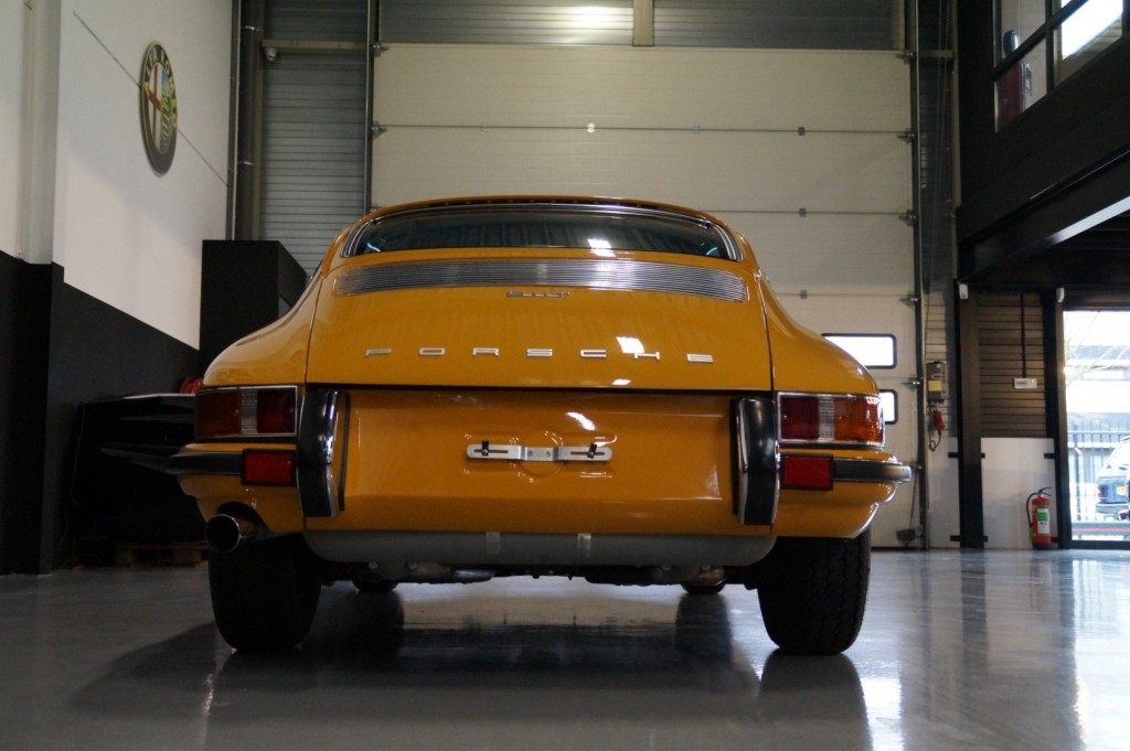 Buy this PORSCHE 911 1968  at Legendary Classics (26)