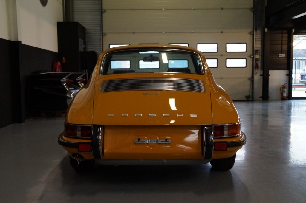 Buy this PORSCHE 911 1968  at Legendary Classics (27)