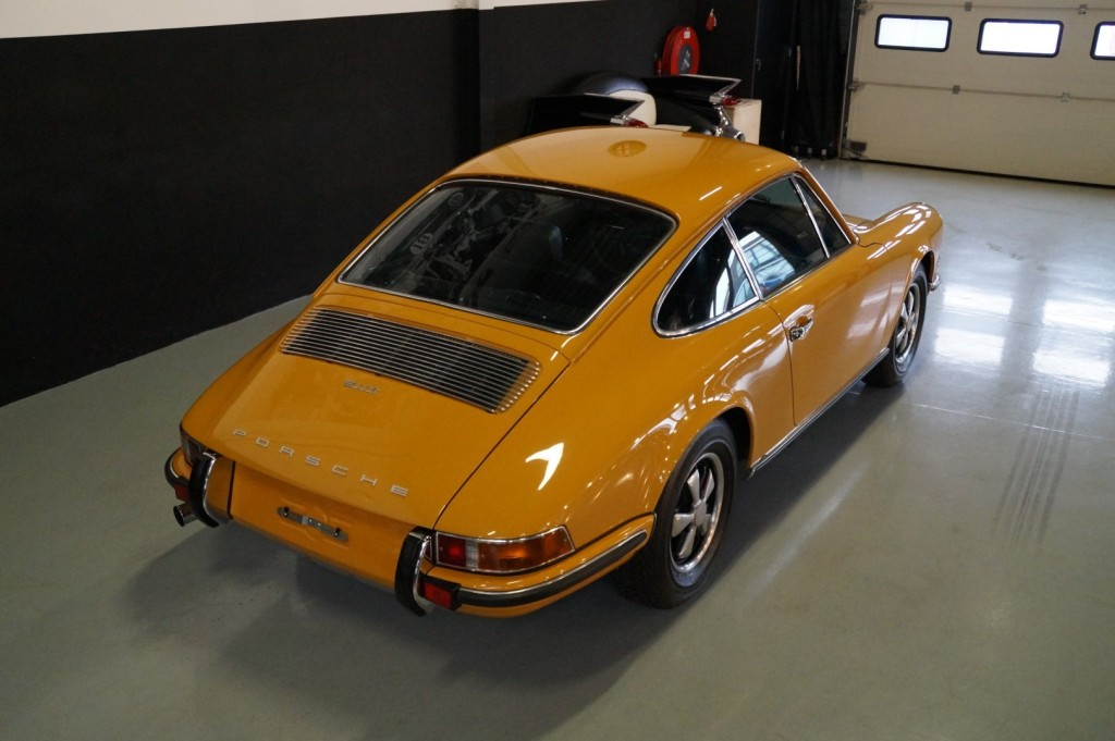 Buy this PORSCHE 911 1968  at Legendary Classics (4)