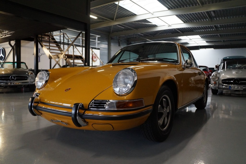 Buy this PORSCHE 911 1968  at Legendary Classics (32)
