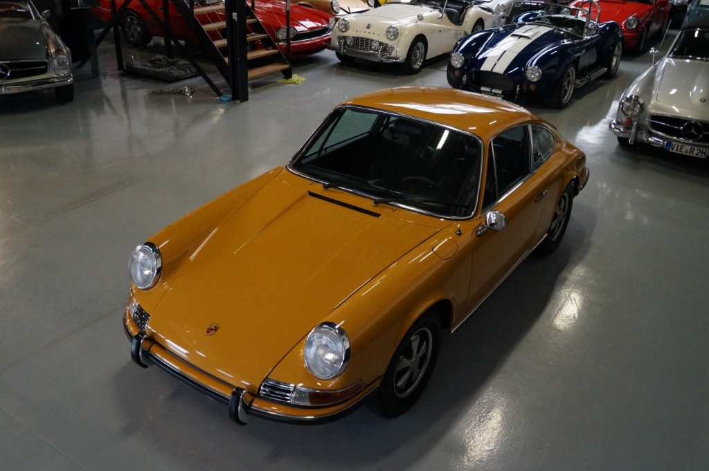 Buy this PORSCHE 911 1968  at Legendary Classics (34)