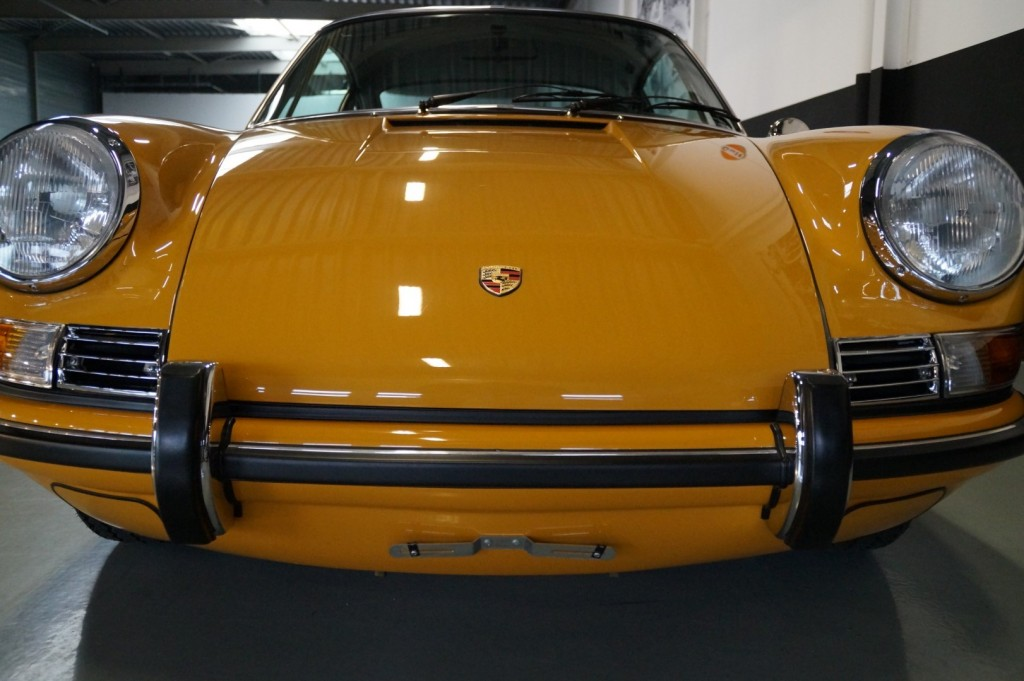 Buy this PORSCHE 911 1968  at Legendary Classics (35)