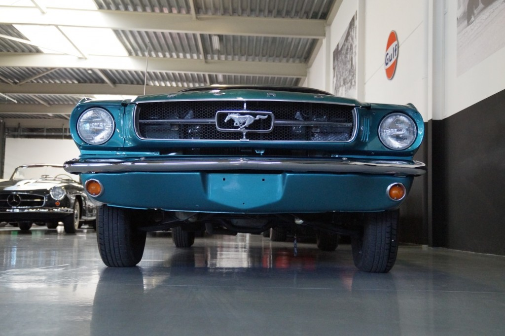 Buy this FORD MUSTANG 1965  at Legendary Classics (17)