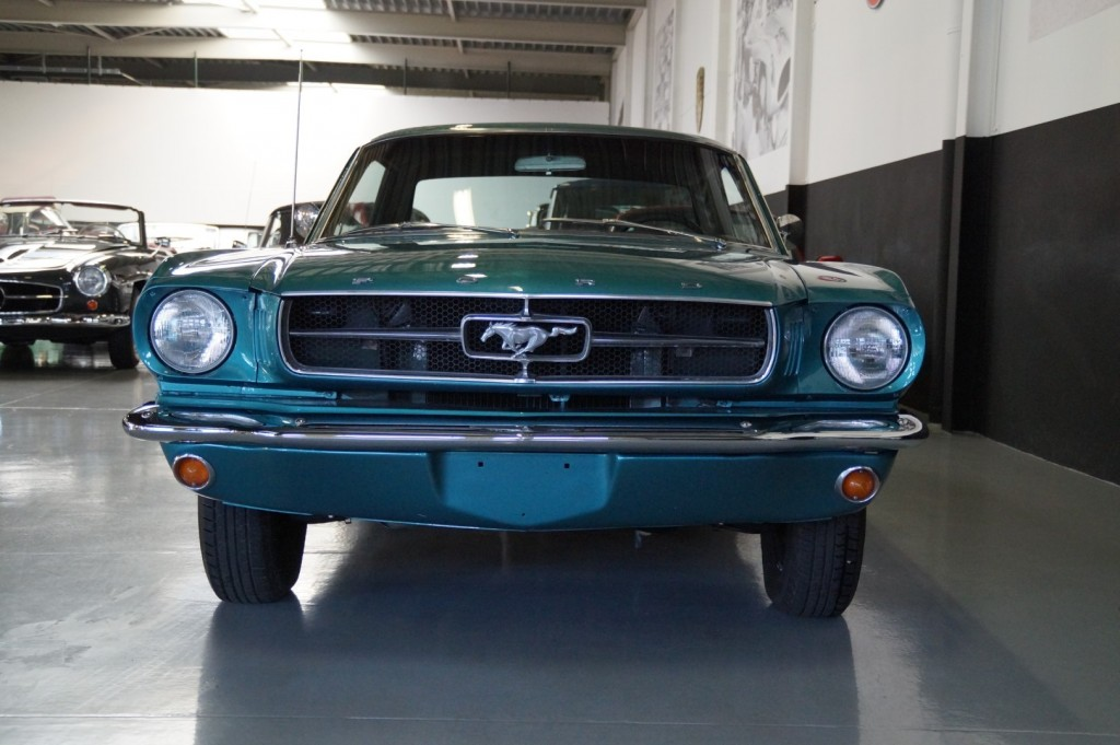 Buy this FORD MUSTANG 1965  at Legendary Classics (18)