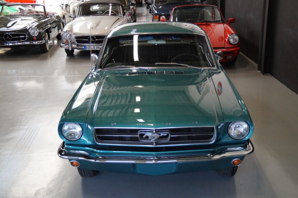 Buy this FORD MUSTANG 1965  at Legendary Classics (20)