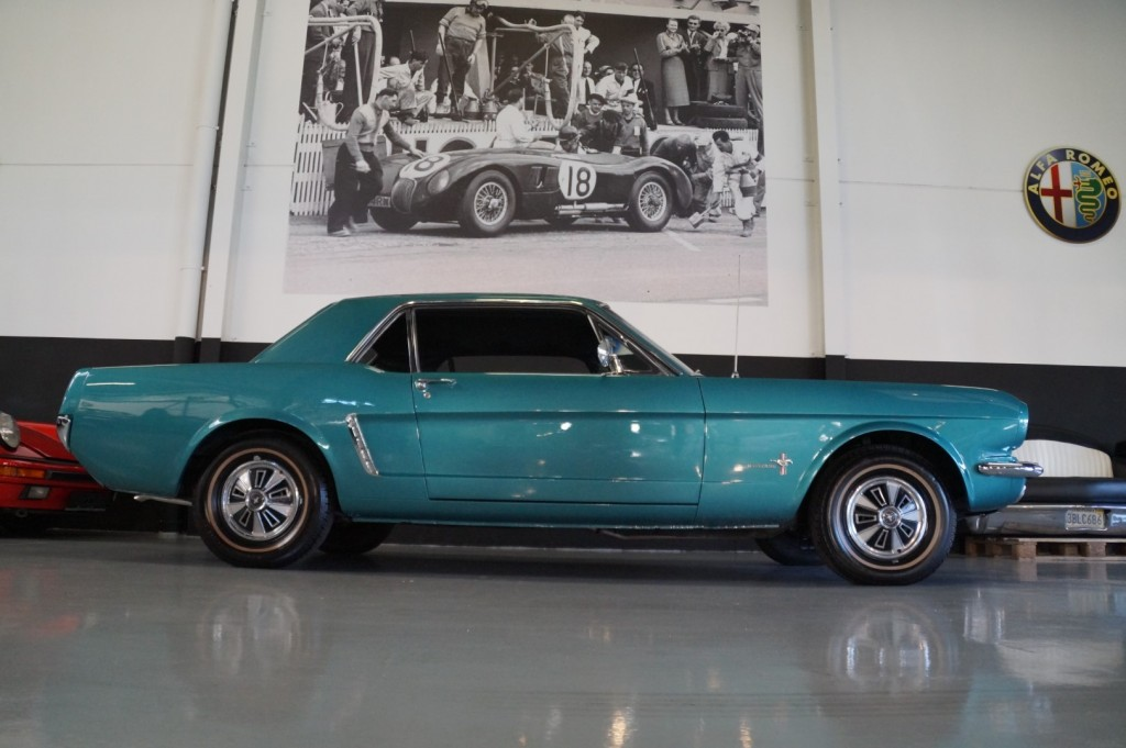 Buy this FORD MUSTANG 1965  at Legendary Classics (3)