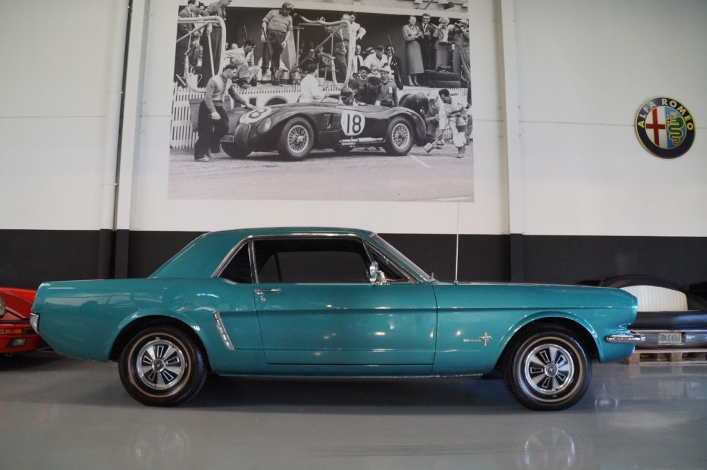 Buy this FORD MUSTANG 1965  at Legendary Classics (21)