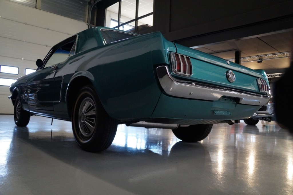 Buy this FORD MUSTANG 1965  at Legendary Classics (27)