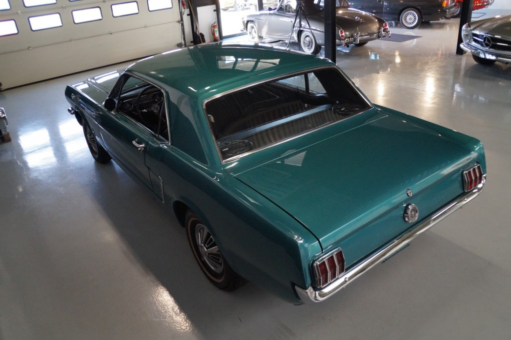 Buy this FORD MUSTANG 1965  at Legendary Classics (29)